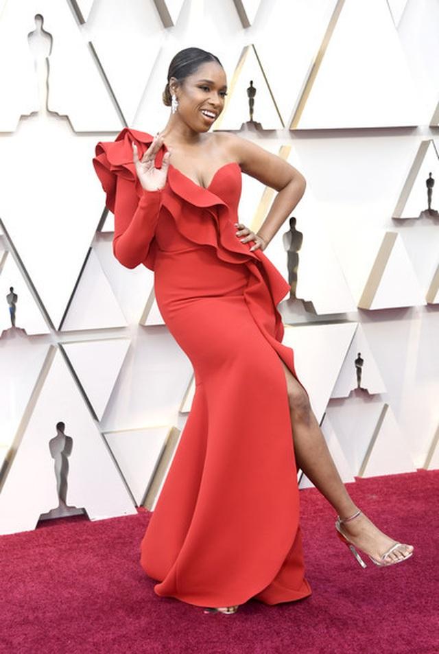Minh tinh Hollywood khoe váy áo lộng lẫy trên thảm đỏ Oscar 2019 - 13