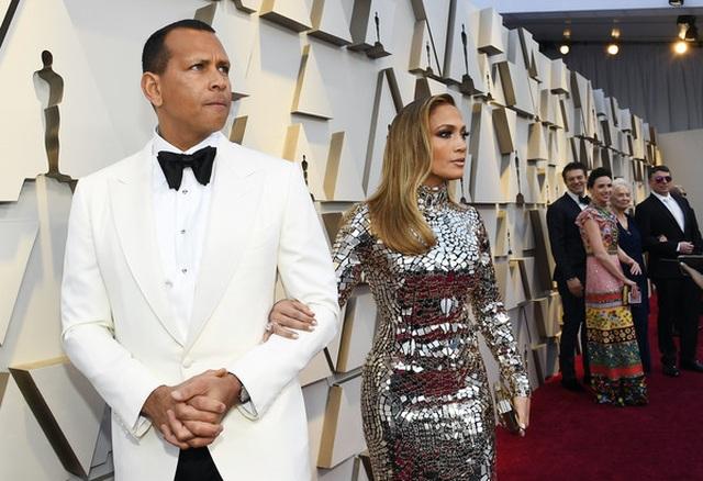 Minh tinh Hollywood khoe váy áo lộng lẫy trên thảm đỏ Oscar 2019 - 22