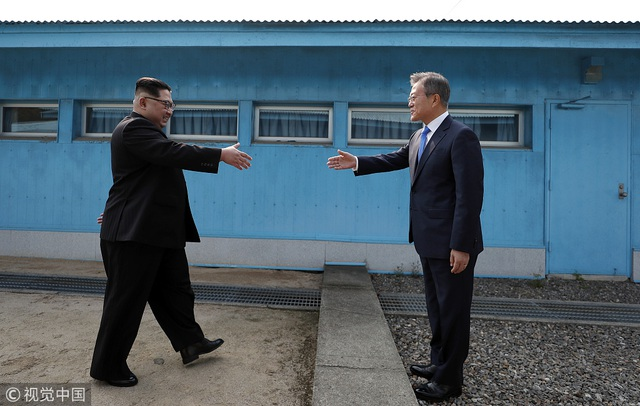Những hoạt động ngoại giao đầu tiên của ông Kim Jong-un chinh phục thế giới - 2