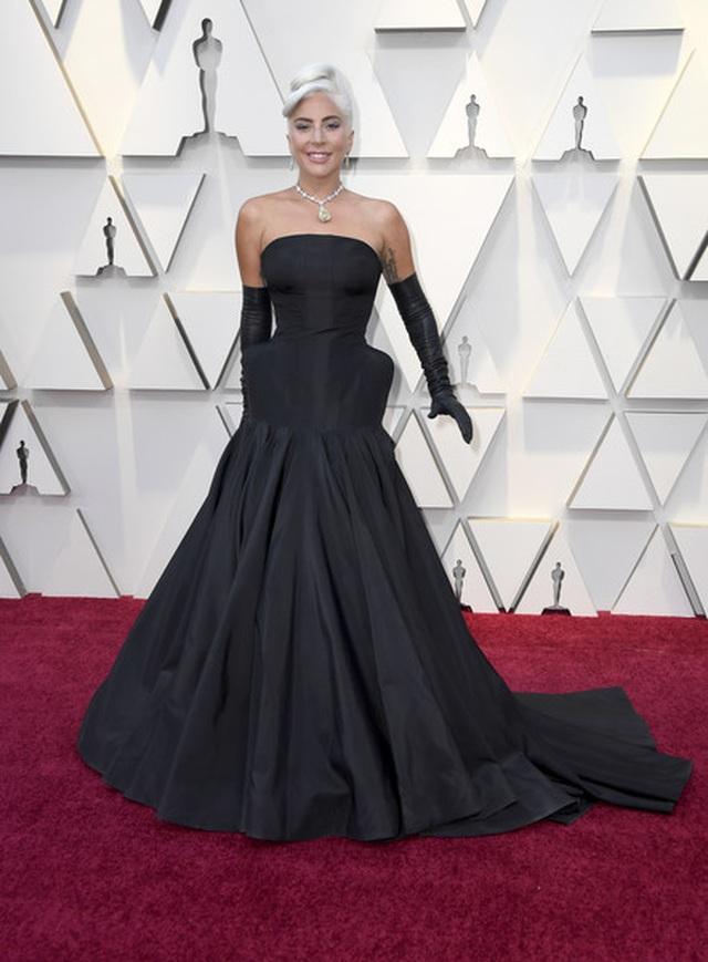 Minh tinh Hollywood khoe váy áo lộng lẫy trên thảm đỏ Oscar 2019 - 59