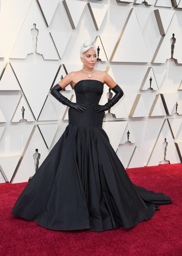 Minh tinh Hollywood khoe váy áo lộng lẫy trên thảm đỏ Oscar 2019 - 58