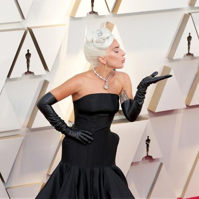 Minh tinh Hollywood khoe váy áo lộng lẫy trên thảm đỏ Oscar 2019 - 57