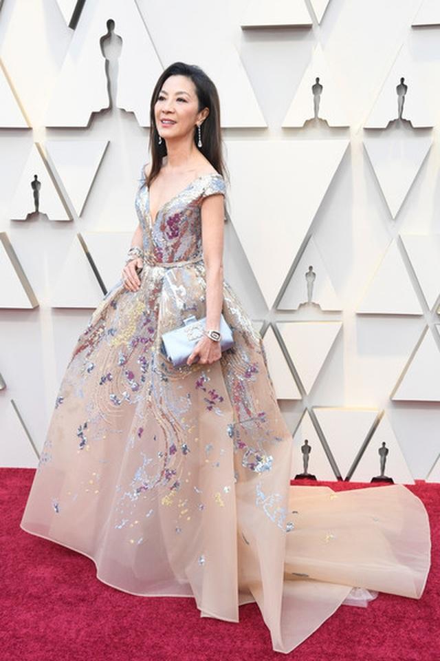 Minh tinh Hollywood khoe váy áo lộng lẫy trên thảm đỏ Oscar 2019 - 9