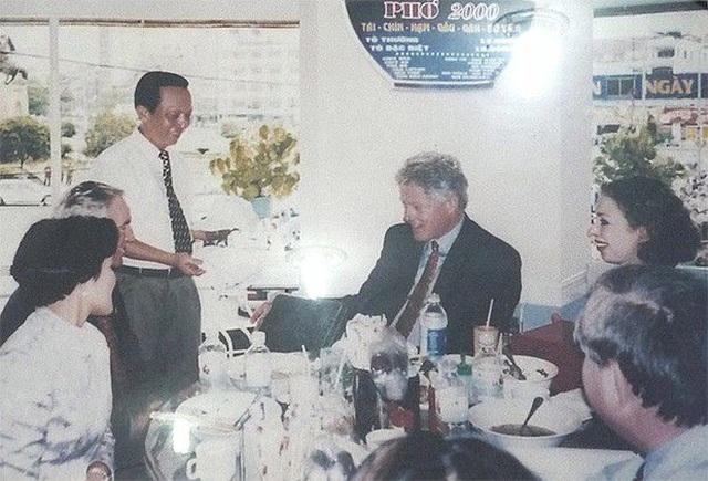 """Những lãnh đạo nước ngoài """"mê mẩn"""" ẩm thực bình dân Việt Nam - 1"""