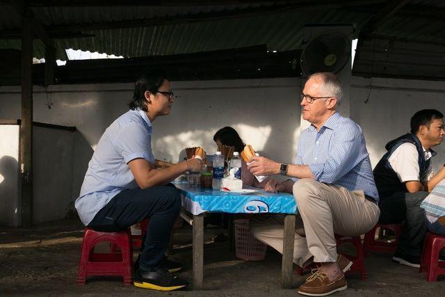 """Những lãnh đạo nước ngoài """"mê mẩn"""" ẩm thực bình dân Việt Nam - 12"""