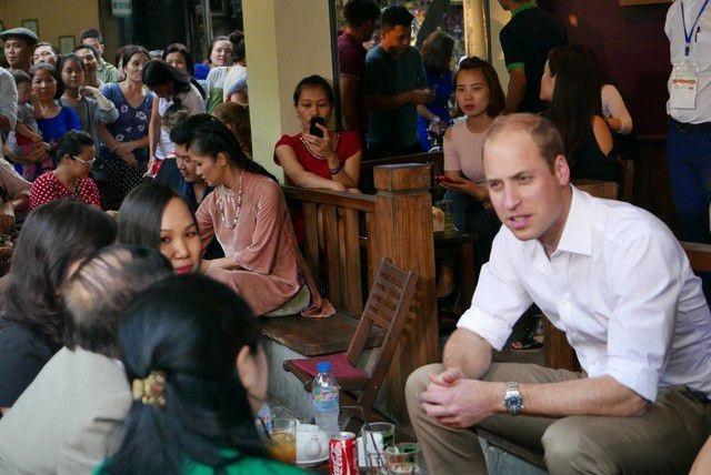 """Những lãnh đạo nước ngoài """"mê mẩn"""" ẩm thực bình dân Việt Nam - 5"""