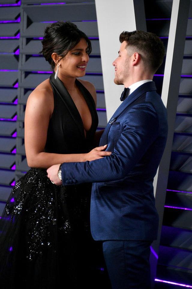 Nick+Jonas+2019+Vanity+Fair+Oscar+Party+Hosted+0AI_VtgioYQl.jpg