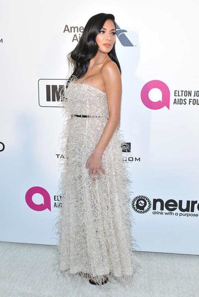 Jasmine Sanders đẹp như mộng với váy màn tuyn - 20
