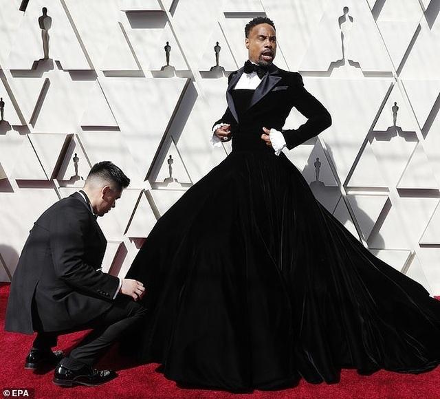 Nam diễn viên Billy Porter gây choáng khi mặc váy dự Oscar - 3