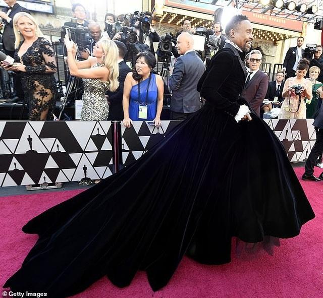 Nam diễn viên Billy Porter gây choáng khi mặc váy dự Oscar - 6