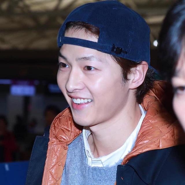 Song Joong Ki lần đầu xuất hiện sau tin đồn ly hôn - 2