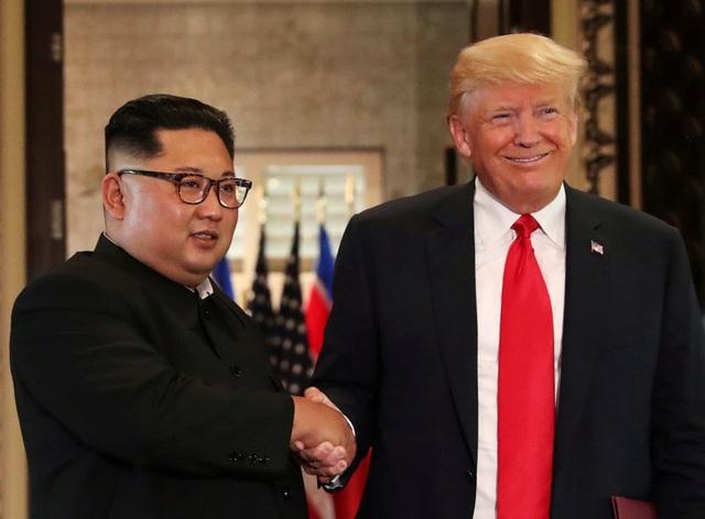Lời nhắn Tổng thống Trump gửi ông Kim Jong-un trước khi khởi hành đi Việt Nam - 1