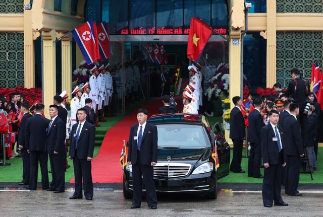 Điều ít biết về tài xế từng lái siêu xe chở ông Kim Jong-un tại thượng đỉnh với ông Trump - 5