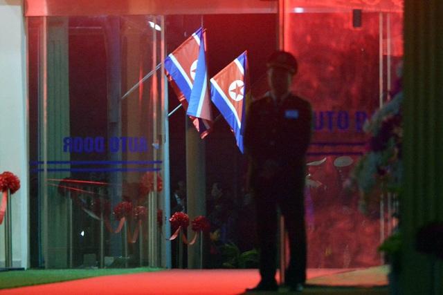 Ga Đồng Đăng trong đêm chờ đón đoàn tàu bọc thép Triều Tiên - 2