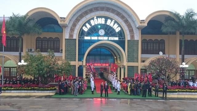 Chủ tịch Triều Tiên tới ga Đồng Đăng, lên ô tô về Hà Nội - 17