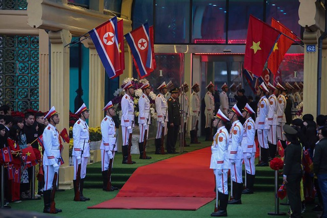 Chủ tịch Triều Tiên tới ga Đồng Đăng, lên ô tô về Hà Nội - 14