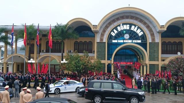 Chủ tịch Triều Tiên tới ga Đồng Đăng, lên ô tô về Hà Nội - 11