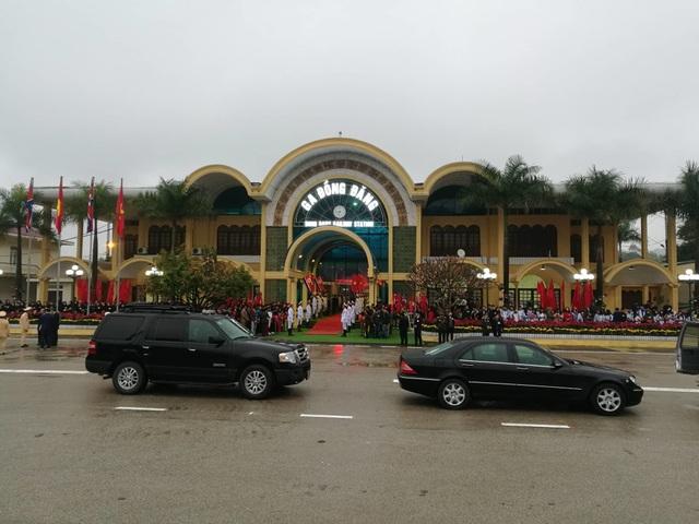 Chủ tịch Triều Tiên tới ga Đồng Đăng, lên ô tô về Hà Nội - 18