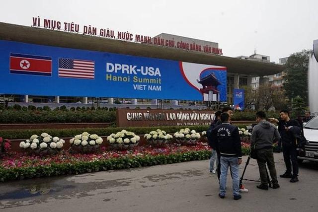 Phóng viên quốc tế tác nghiệp trước thềm Thượng đỉnh Mỹ - Triều - 1