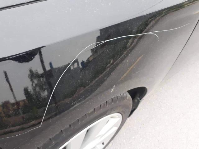 Vụ cụ ông lén cào xước ô tô: Đại diện gia đình nhận lỗi, xin hòa giải