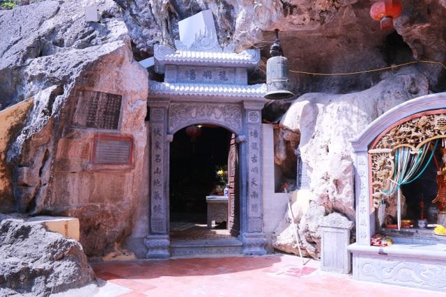 """Ngôi chùa cổ hơn 1000 năm tuổi bên trong có """"rồng phát sáng"""" - 3"""