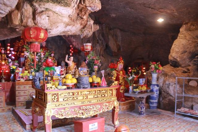 """Ngôi chùa cổ hơn 1000 năm tuổi bên trong có """"rồng phát sáng"""" - 7"""