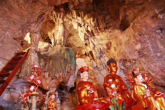"""Ngôi chùa cổ hơn 1000 năm tuổi bên trong có """"rồng phát sáng"""" - 5"""