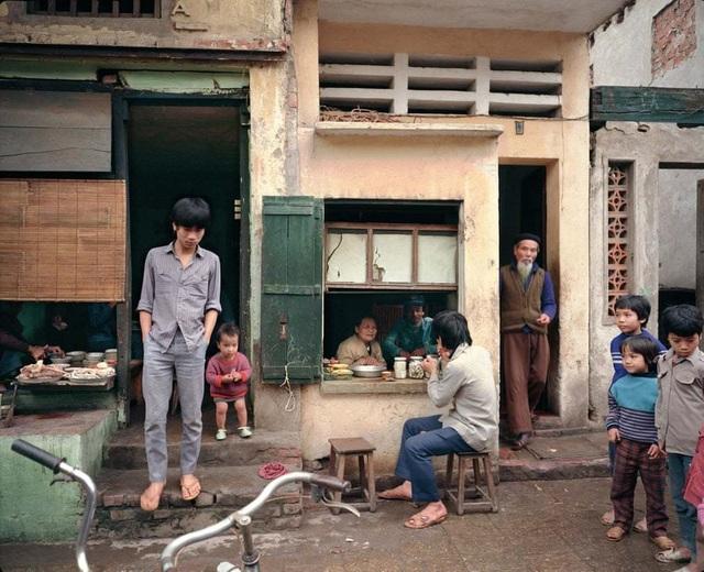 Hà Nội 36 phố phường - Hình ảnh cách đây 30 năm của thủ đô xuất hiện trên báo Anh - 4
