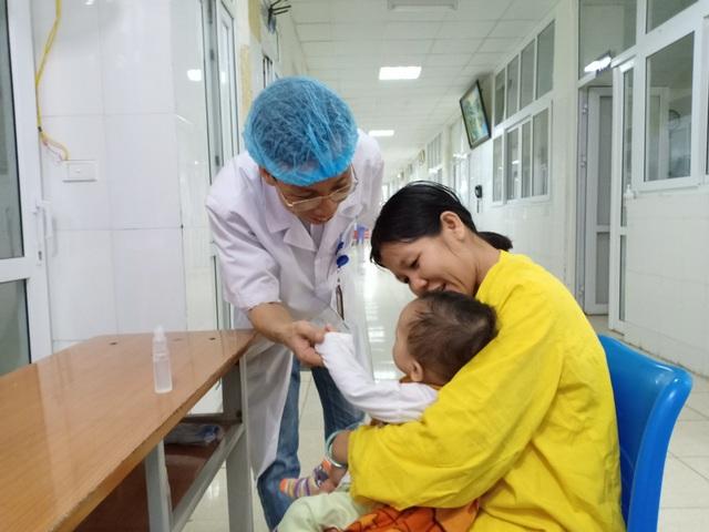 Nghị lực phi thường của bác sĩ trẻ - 3