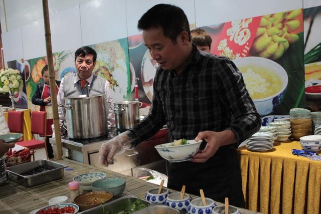 Những món ăn Việt chiêu đãi phóng viên quốc tế nhân thượng đỉnh Mỹ Triều - 4