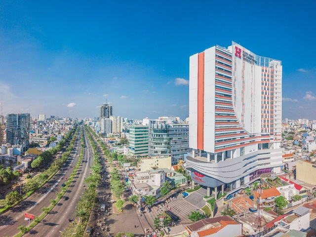 """Khám phá ngôi trường đại học """"đẹp xiêu lòng"""" nằm giữa lòng Sài Gòn - 1"""