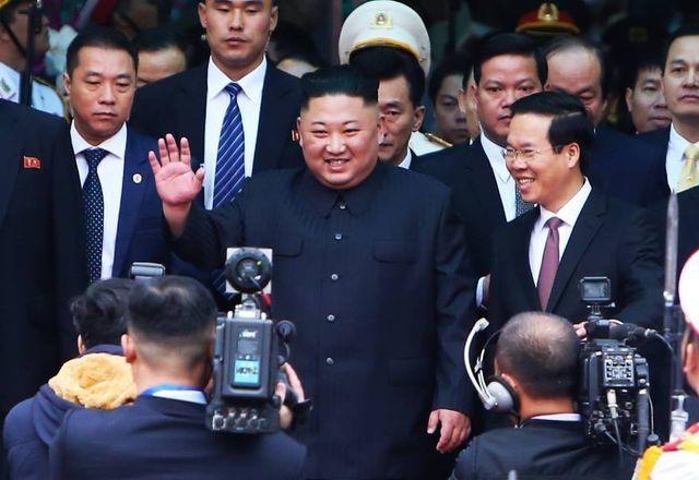 Những hình ảnh đầu tiên của Chủ tịch Triều Tiên Kim Jong-un tại Việt Nam - 3