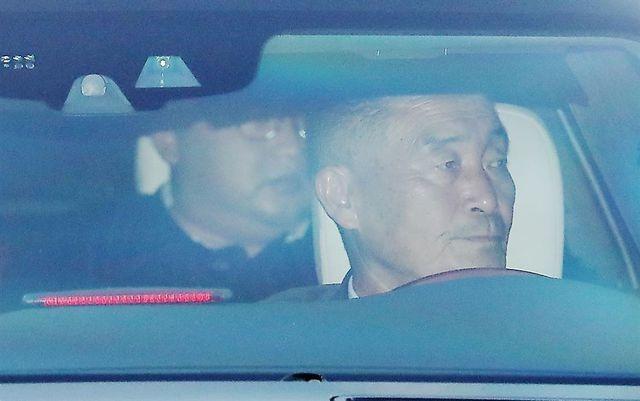 Điều ít biết về tài xế từng lái siêu xe chở ông Kim Jong-un tại thượng đỉnh với ông Trump - 2