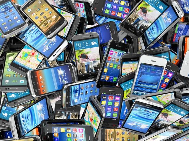Giới khoa học cảnh báo mối nguy lớn từ thói quen đổi điện thoại liên tục! - 2