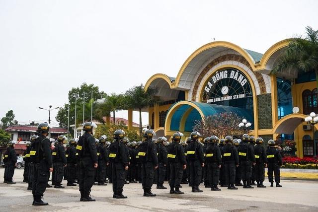 An ninh siết chặt trước giờ đón lãnh đạo Mỹ - Triều tới Việt Nam - 11