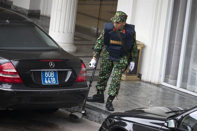 An ninh siết chặt trước giờ đón lãnh đạo Mỹ - Triều tới Việt Nam - 2