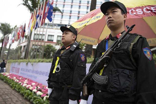 An ninh siết chặt trước giờ đón lãnh đạo Mỹ - Triều tới Việt Nam - 3