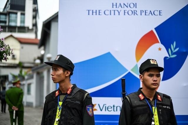 An ninh siết chặt trước giờ đón lãnh đạo Mỹ - Triều tới Việt Nam - 4