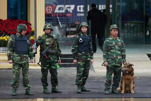 An ninh siết chặt trước giờ đón lãnh đạo Mỹ - Triều tới Việt Nam - 8