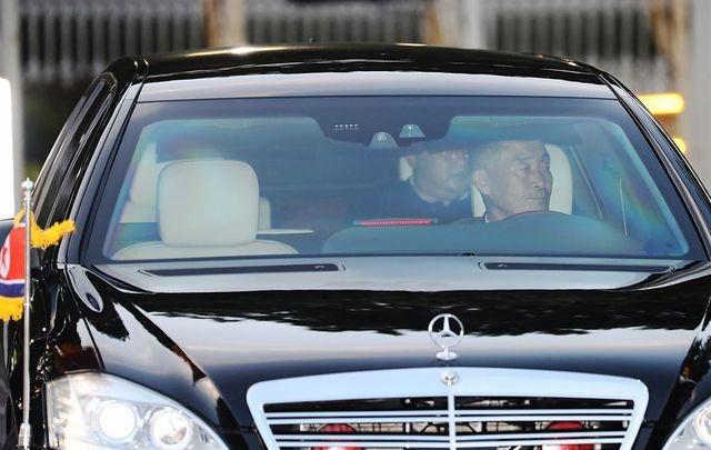 Điều ít biết về tài xế từng lái siêu xe chở ông Kim Jong-un tại thượng đỉnh với ông Trump - 1