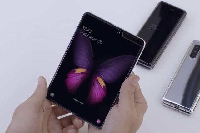 Có nên mua smartphone màn hình gập trong năm 2019? - 2