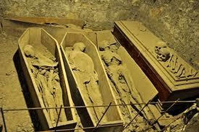 Xác ướp 800 năm tuổi bị lấy cắp mất đầu - 3