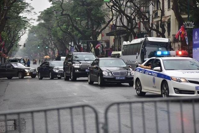 Tổng thống Donald Trump và Chủ tịch Kim Jong-un gặp riêng tối nay: An ninh thắt chặt tại nhiều tuyến phố - 10