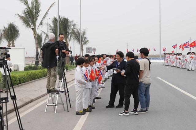 Đoàn Triều Tiên thăm tổ hợp sản xuất ô tô, nông nghiệp công nghệ cao tại Hải Phòng - 6