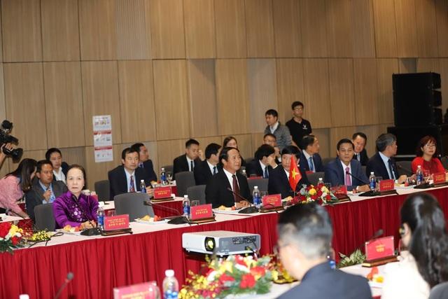 Đoàn Triều Tiên thăm tổ hợp sản xuất ô tô, nông nghiệp công nghệ cao tại Hải Phòng - 4