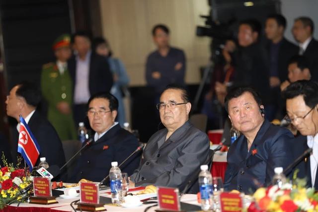 Đoàn Triều Tiên thăm tổ hợp sản xuất ô tô, nông nghiệp công nghệ cao tại Hải Phòng - 5