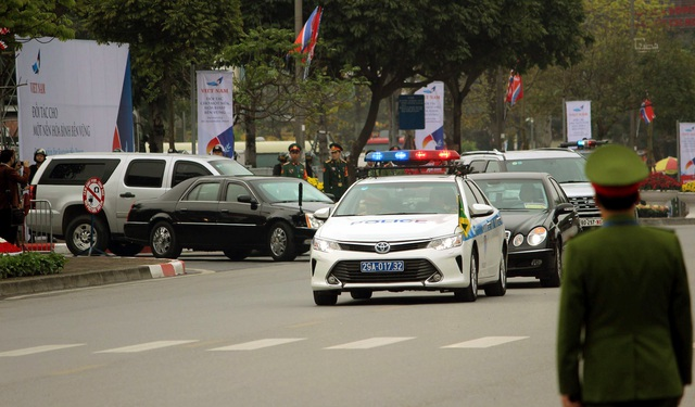 Hình ảnh hoạt động đầu tiên của Tổng thống Donald Trump tại Việt Nam - 12