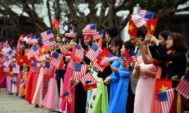 Hình ảnh hoạt động đầu tiên của Tổng thống Donald Trump tại Việt Nam - 7