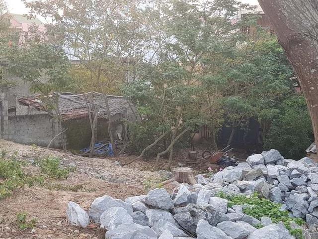 Quảng Bình: Người dân tố gia đình phó công an huyện ngang nhiên lấn chiếm đất công  - 3