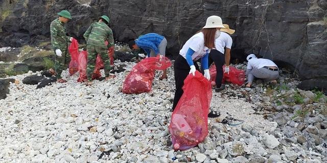 Tuổi trẻ Quảng Ngãi vì một Lý Sơn không rác thải nhựa - 1